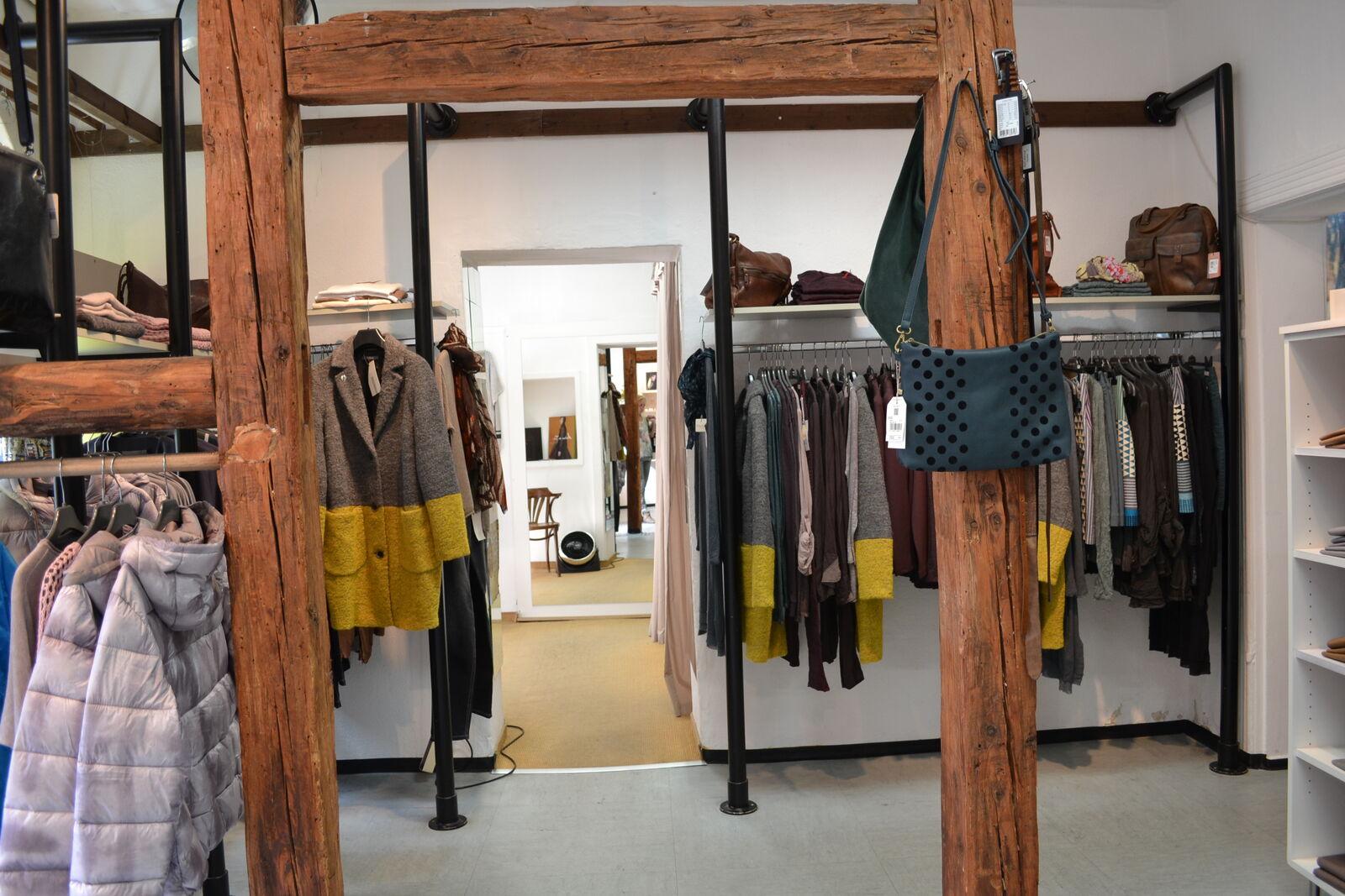 der laden womenswear in nuremberg innere laufer gasse thelabelfinder. Black Bedroom Furniture Sets. Home Design Ideas