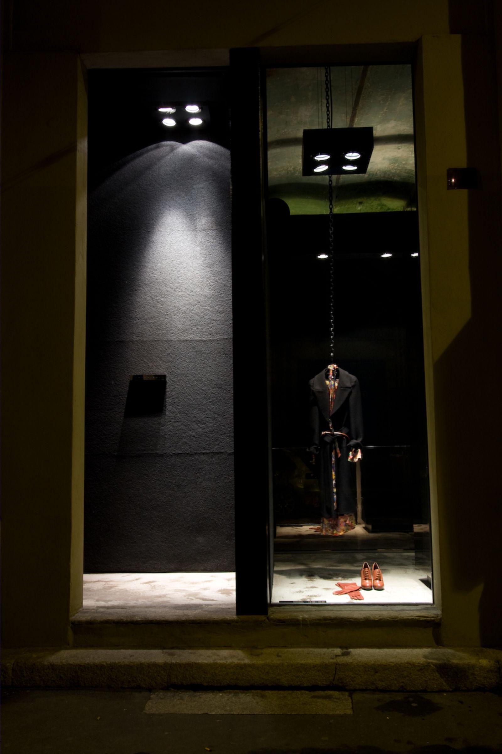 ANTONIOLI in Milán (Imagen 1)